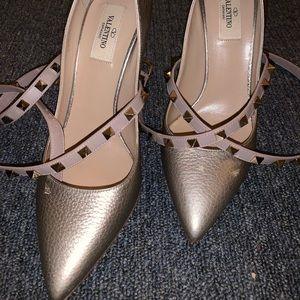 Ankle strap Valentino pumps